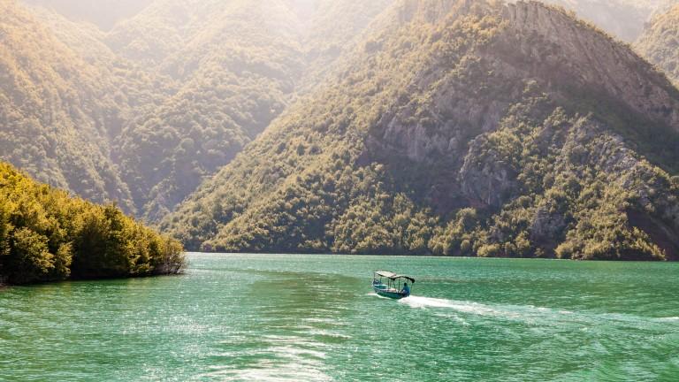 Lake Komani 2